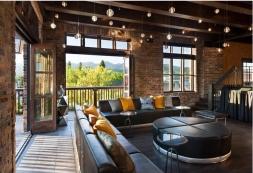 Casey's Lounge